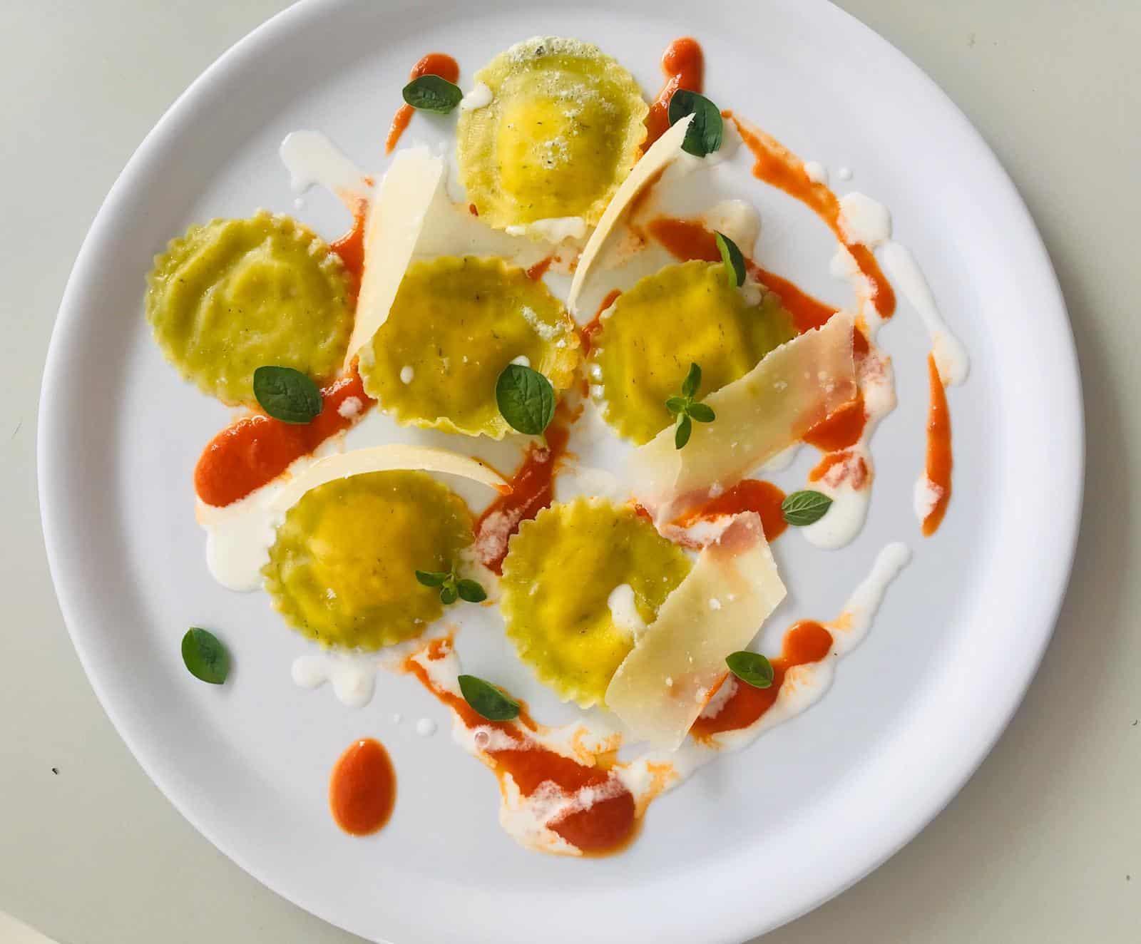 ricetta Tortelli con sfoglia di spinaci ripieni di stracciatella